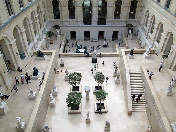 Het Louvre museum Parijs